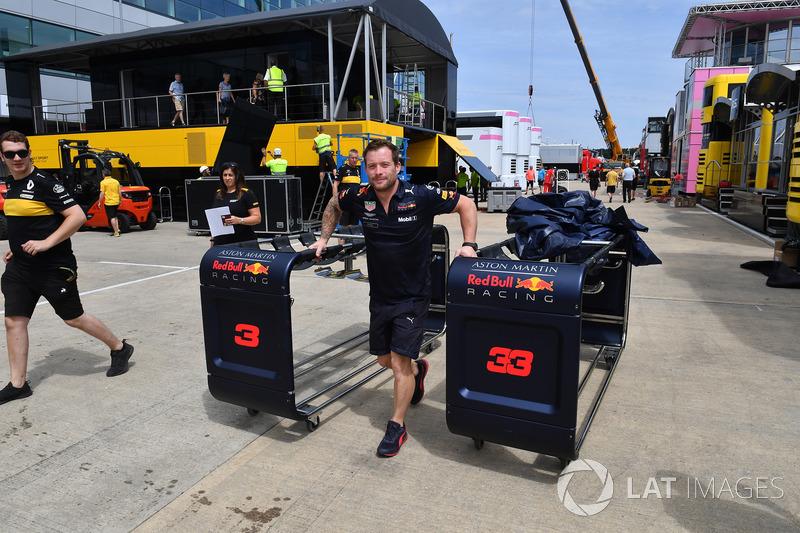 Mekanik Red Bull Racing