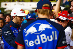 Pierre Gasly, Toro Rosso, and Brendon Hartley, Toro Rosso, Brendon Hartley, Toro Rosso, sign autographs for fans