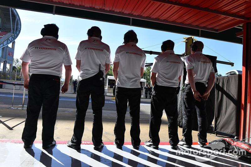 F1 Experiences 2-Seater mechanics