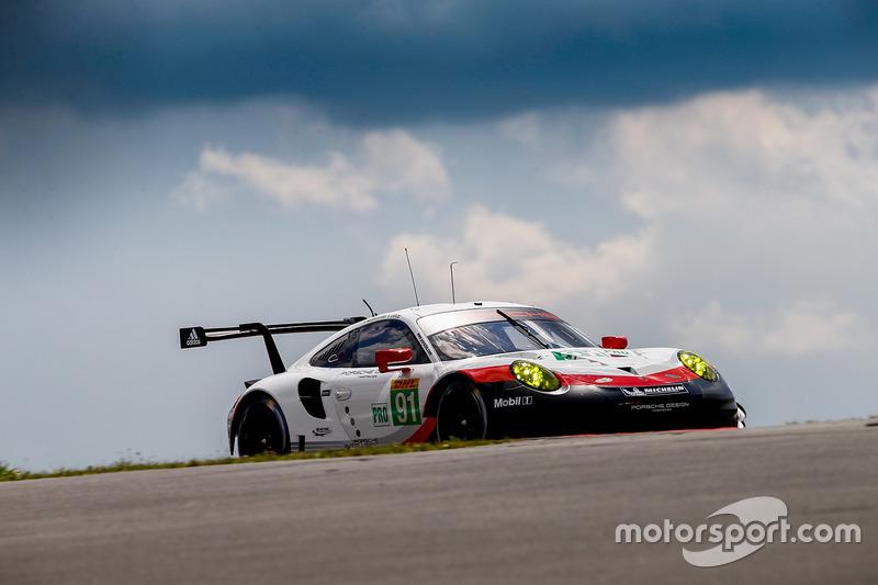 #91 Porsche Team Porsche 911 RSR: Річард Ліц, Фредерік Маковєцкі