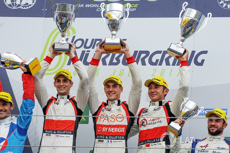 LMP2 Podio: primer lugar  Ho-Pin Tung, Oliver Jarvis, Thomas Laurent, DC Racing