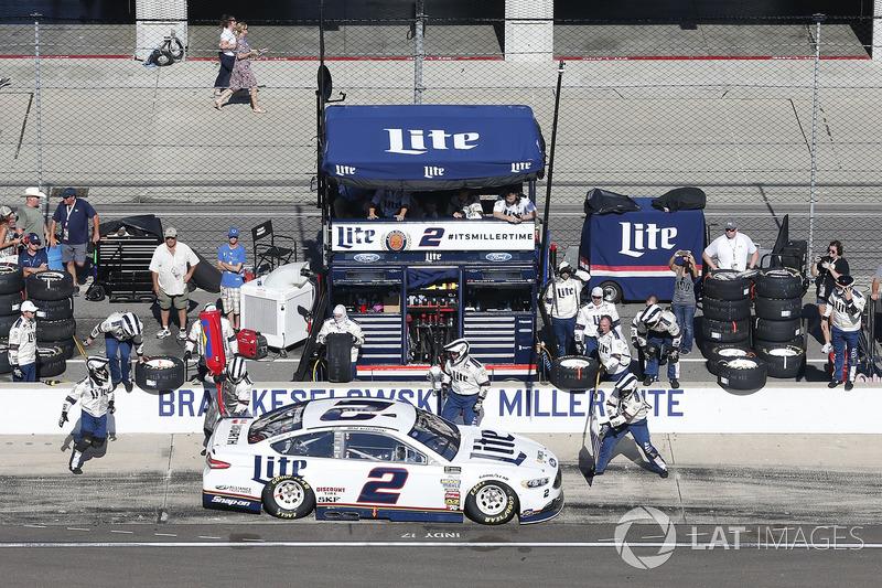 Brad Keselowski, Team Penske Ford pit stop