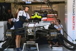 La Williams di Felipe Massa, Williams FW40 viene preparata per for Paul di Resta, Williams