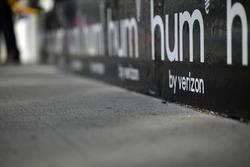 Hum, logo