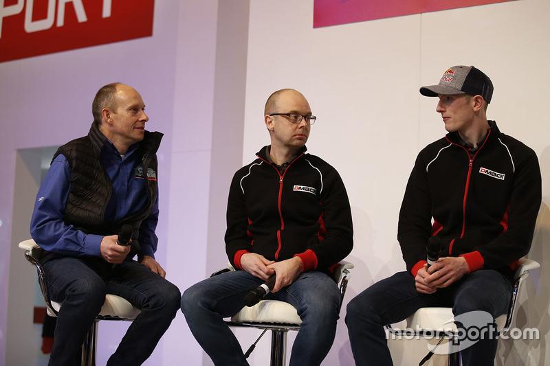 Elfyn Evans, Daniel Barritt, DMACK World Rally Team y Ben Taylor en el escenario de Autosport