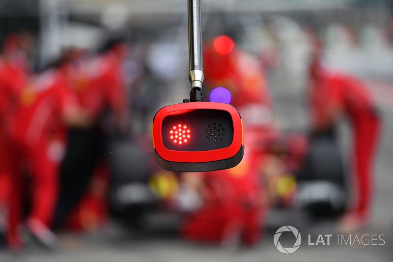 Ferrari pit stop ışıkları