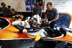 Stoffel Vandoorne, McLaren, with halo device