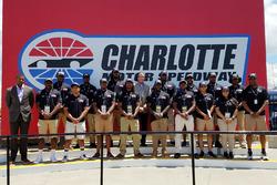 NASCAR Drive for Diversity Pit Crew, foto di gruppo