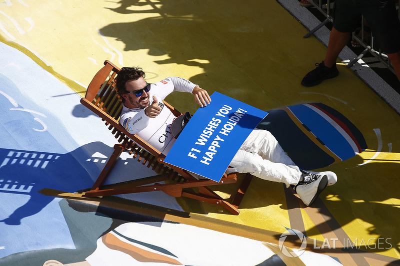 فرناندو ألونسو، مكلارين، يتمنى للجميع عطلة سعيدة عقب السباق