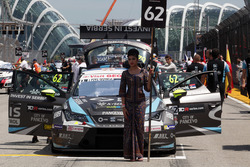 Дівчина на старті Душана Борковіча, Seat Leon, B3 Racing Team Hungary