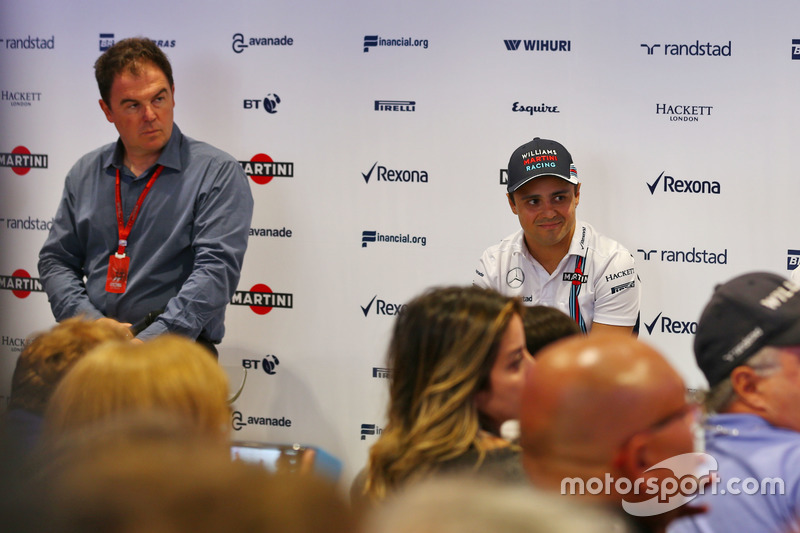 (L to R): James Allen, and Felipe Massa, Williams. Felipe announces his retirement from F1 at the end of the season