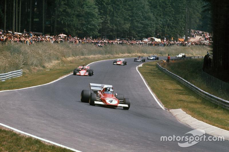 Jacky Ickx, Ferrari 312B2, Ronnie Peterson, March 721G Ford; Clay Regazzoni, Ferrari 312B2 y Emerson Fittipaldi, Lotus