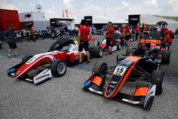 Keyvan Andres, Van Amersfoort Racing Dallara F317 - Mercedes-Benz, Mick Schumacher, PREMA Theodore R