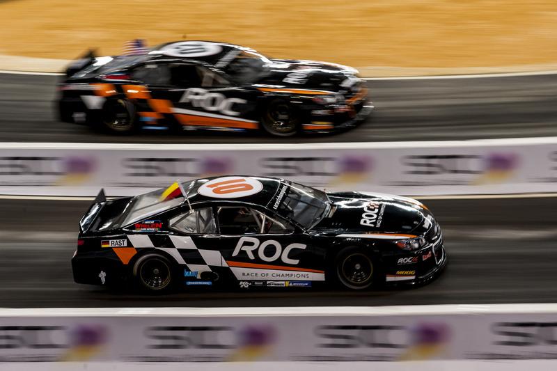 René Rast del equipo Alemania conduciendo el Whelen NASCAR