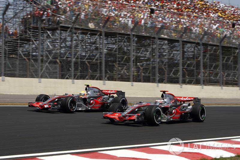 Lewis Hamilton, McLaren MP4-22 y Fernando Alonso, McLaren MP4-22