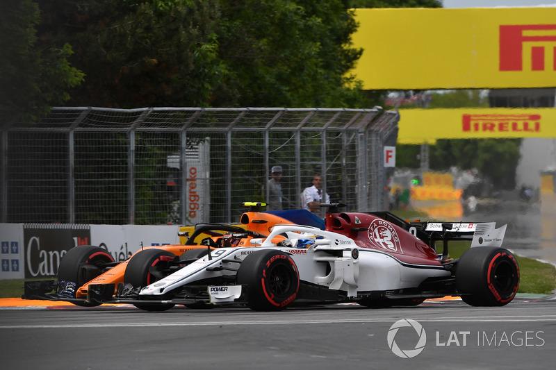 Marcus Ericsson, Sauber C37 and Stoffel Vandoorne, McLaren MCL33