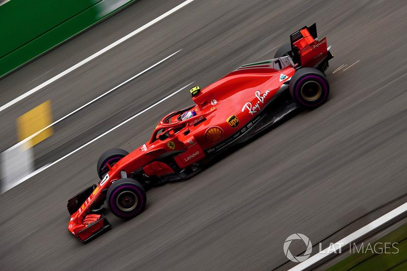 3. Kimi Raikkonen, Ferrari SF71H and sparks