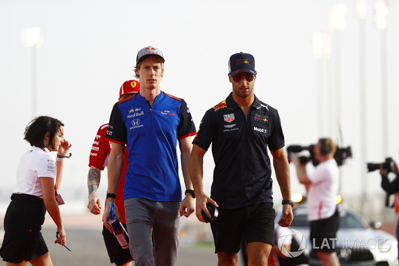 Brendon Hartley, Toro Rosso, and Daniel Ricciardo, Red Bull Racing, in the drivers parade