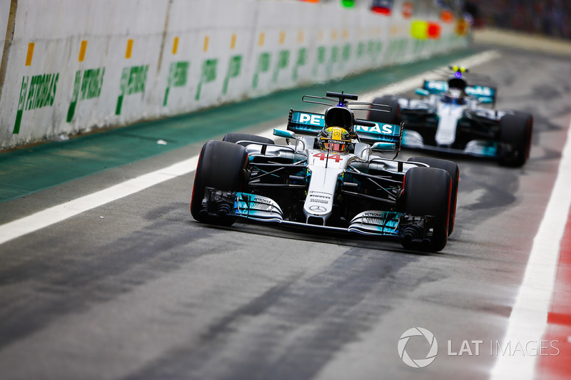 Lewis Hamilton, Mercedes AMG F1 W08, Valtteri Bottas, Mercedes AMG F1 W08, out of the pits
