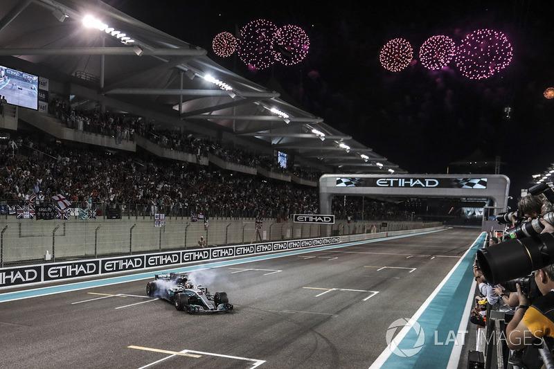 21. GP Abu Dhabi - Pemenang: Lewis Hamilton