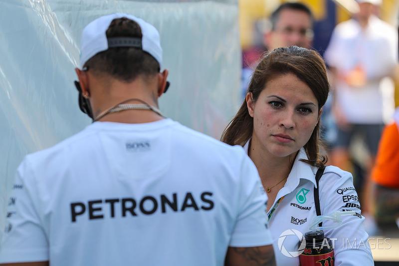 Льюіс Хемілтон, Mercedes AMG F1 та його прес-офіцер Шарлі Роуз