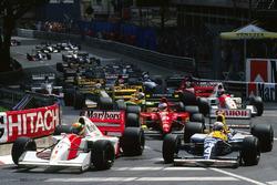 Ayrton Senna, McLaren MP4/7A, Riccardo Patrese, Williams FW14B
