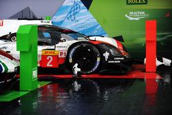 #2 Porsche Team Porsche 919 Hybrid: Тімо Бернхард, Ерл Бембер, Брендон Хартлі