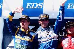Podyum: Yarış galibi Damon Hill, Williams Renault, 2. Olivier Panis, Ligier Mugen-Honda, 3. Gianni Morbidelli, Footwork Hart