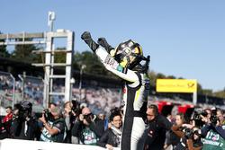 Second place and Champion 2017, Lando Norris, Carlin Dallara F317 - Volkswagen