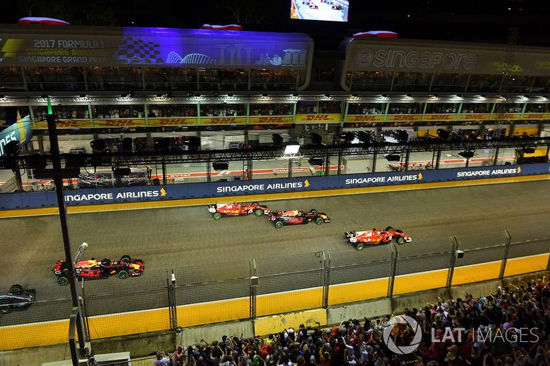 Sebastian Vettel, Ferrari SF70H al inicio de la carrera