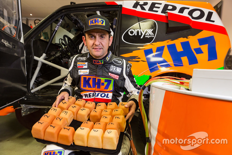 Isidre Esteve, KH-7 Rally Team con el cojín inteligente