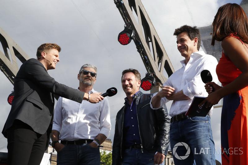 Джек Хемфрі, керівник команди Ferrari Мауріціо Аррівабене, керівник Red Bull Racing Крістіан Хорнер, керівник Mercedes AMG Тото Вольфф