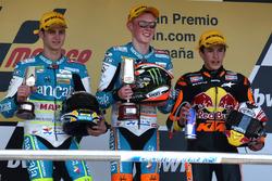 Podio: il secondo classificato Sergio Gadea, il vincitore della gara Bradley Smith, il terzo classificato Marc Marquez