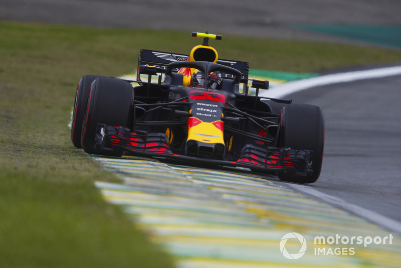 Verstappen gives out warning on the in-lap