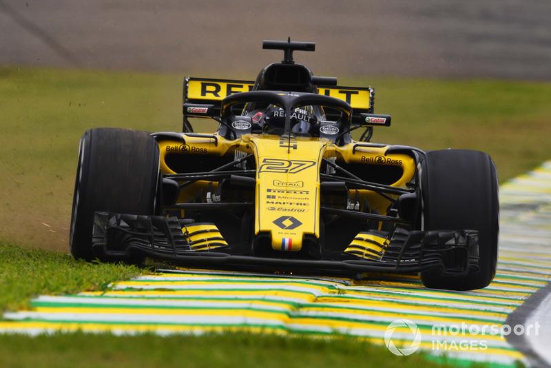 Nico Hulkenberg, Renault Sport F1 Team R.S. 18, va largo prima dell'incidente nelle FP2