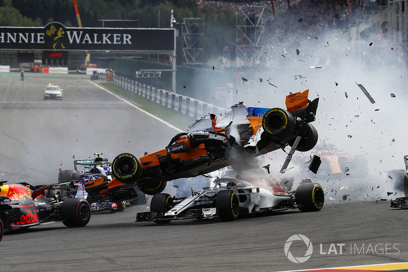 Ніко Хюлькенберг, Renault Sport F1 Team R.S. 18, Фернандо Алонсо, McLaren, Шарль Леклер, Sauber C37