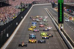 Start: James Hinchcliffe, Schmidt Peterson, Motorsports Honda