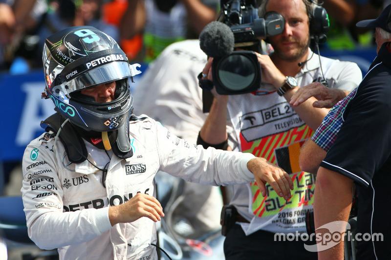 Yarış galibi Nico Rosberg, Mercedes AMG F1