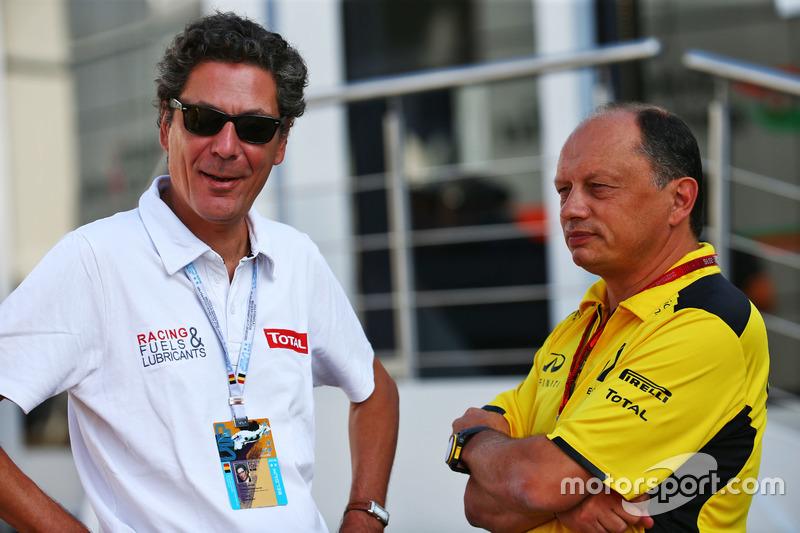 (Da sx a dx): Pierre-Gautier Caloni, Vice Presidente Sponsoring & Motorsport Division Total con Fre