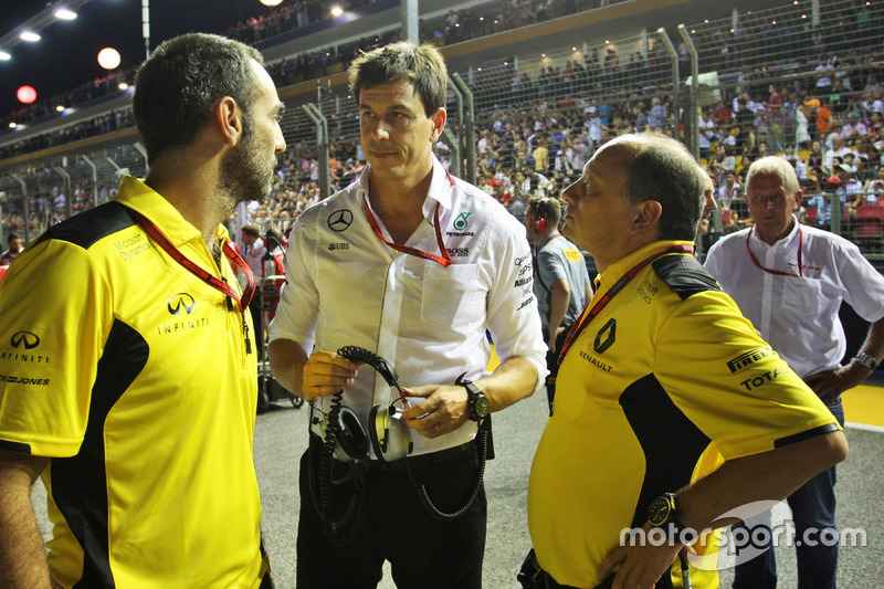 (L to R): Cyril Abiteboul, Renault Sport F1 Managing Director with Toto Wolff, Mercedes AMG F1 Shareholder and Executive Director and Frederic Vasseur, Renault Sport F1 Team Racing Director on the grid