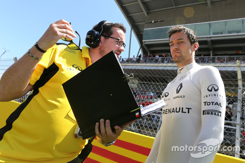 Julien Simon-Chautemps, Renault Sport F1 Team und Jolyon Palmer, Renault Sport F1 Team