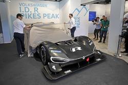Francois-Xavier Demaison, Sven Smeets, Head of Volkswagen Motorsport unveil the Volkswagen I.D. R Pikes Peak
