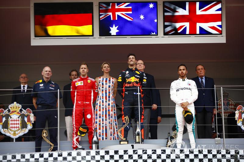 Daniel Ricciardo, Red Bull Racing, celebrates victory on the podium ahead of Adrian Newey, Chief Technical Officer, Red Bull Racing, Lewis Hamilton, Mercedes AMG F1, Sebastian Vettel, Ferrari, Prince Albert and Princess Charlene