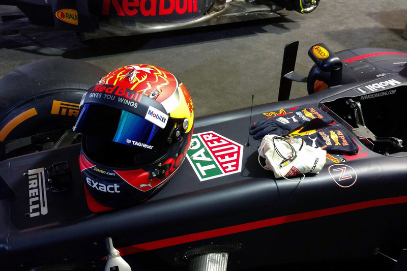 Max Verstappen, Red Bull Racing kask