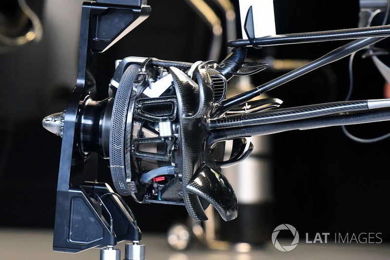 Mercedes-AMG F1 W09 brake duct