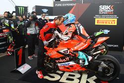 Marco Melandri, Aruba.it Racing-Ducati SBK Team s'empare de la pole position