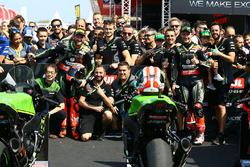 Winnaar Tom Sykes, Kawasaki Racing, tweede Jonathan Rea, Kawasaki Racing