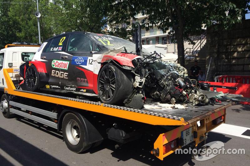 Car of Rob Huff, Sébastien Loeb Racing Volkswagen Golf GTI TCR after his crash