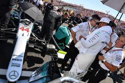 Lewis Hamilton, Mercedes-Benz F1 W08 Hybrid on the grid