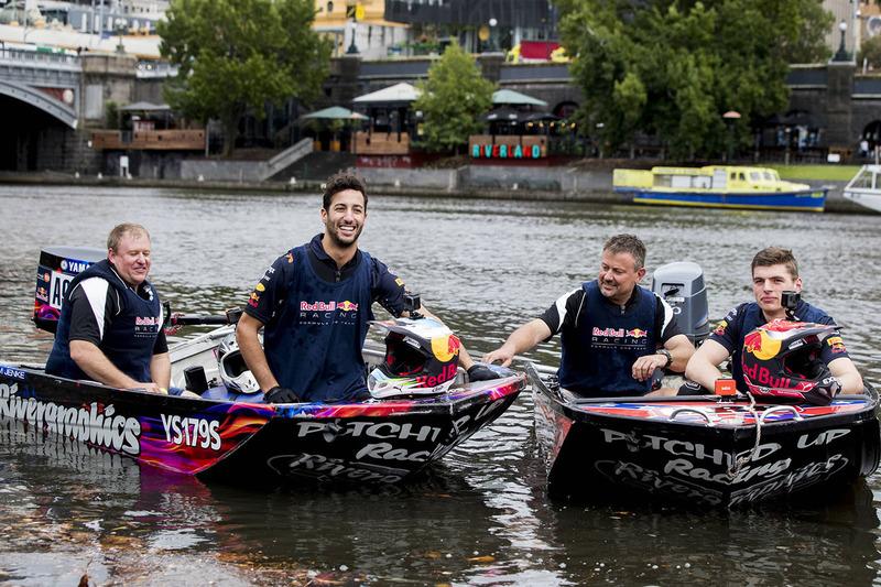 Daniel Ricciardo, Red Bull Racing; Max Verstappen, Red Bull Racing